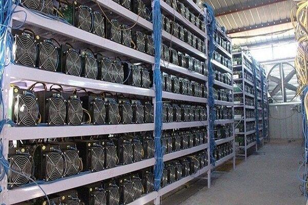کشف ۶۵ دستگاه ماینر قاچاق به ارزش ۳ میلیارد ریال در اصفهان
